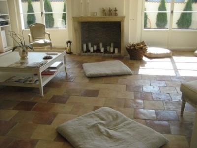 Carrelage terre cuite neuf cuit au feu de bois beige-orangé