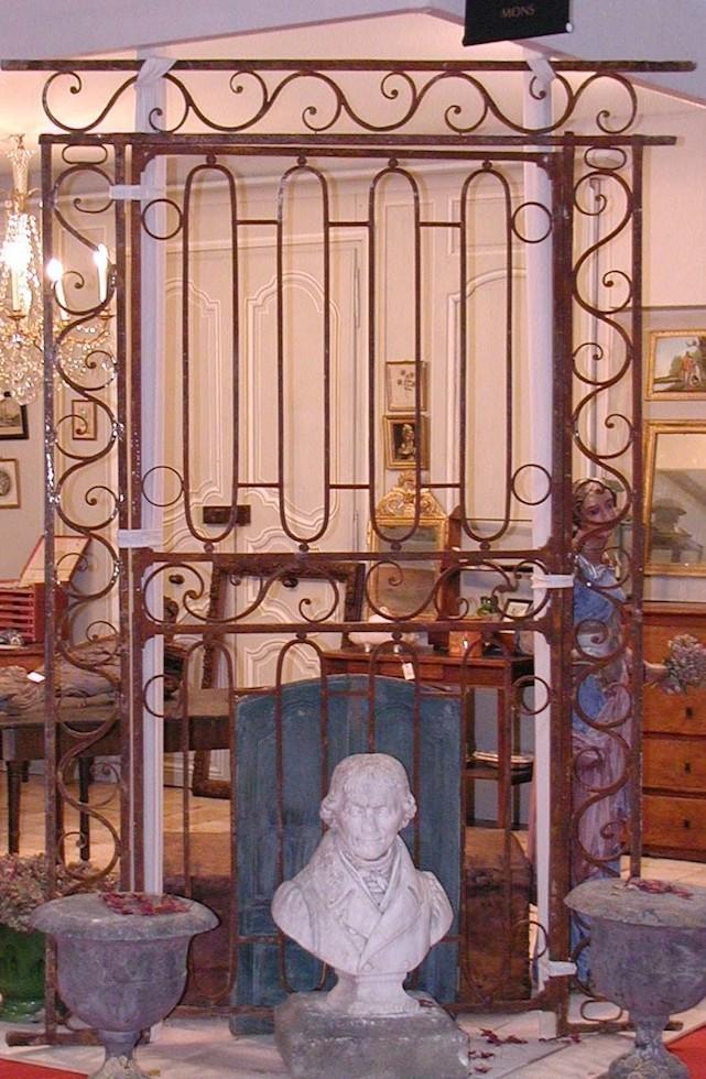 Portail d'époque Louis XIV en fer forgé