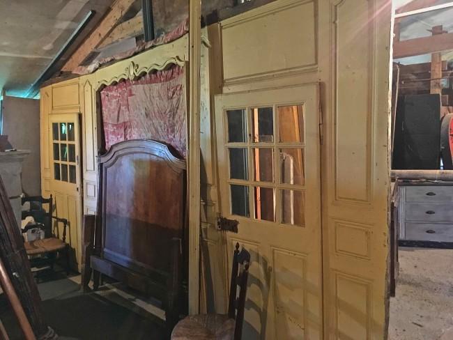 """Boiserie """"alcôve """" en chêne peint d'époque XVIIIème"""